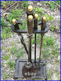 Bradley & Hubbard Antique Arts & crafts Mission Fireplace tool set with stand