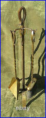Vintage Arts & Crafts Hammered Iron Fire place 3pc Tool Set Stand Bronze Finish